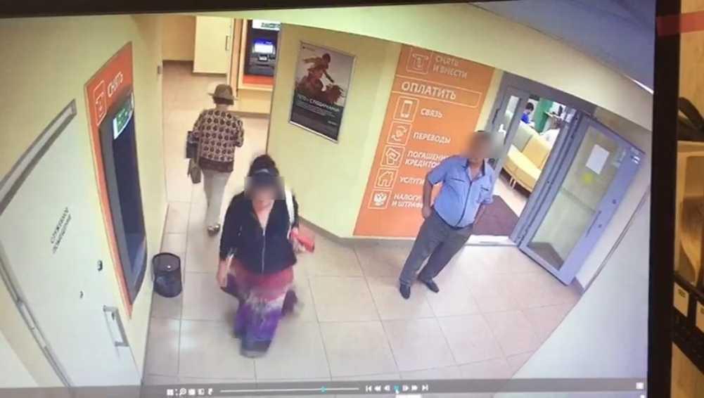 В Брянске задержали гастролёра-мошенника, обманувшего клиентку банка