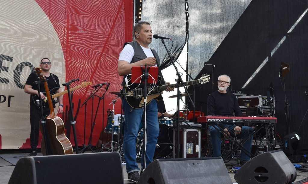 В Брянской области группа «Любэ» спела на празднике «Русское родео»