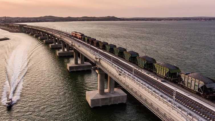 «Развалится в любом случае»: на Украине мечтают о разрушении Крымского моста