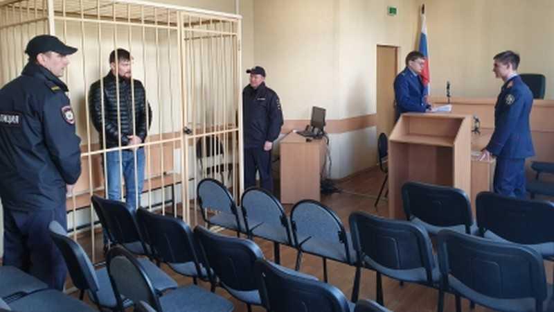 В Брянске суд арестовал на 2 месяца убийцу сотрудников спецсвязи