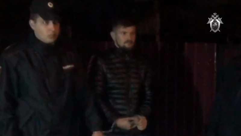 В Брянске показали убийцу двоих сотрудников спецсвязи