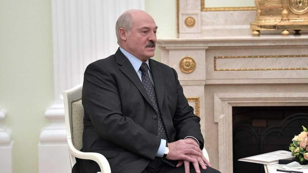 Лукашенко обвинили в подготовке войны в брянских лесах