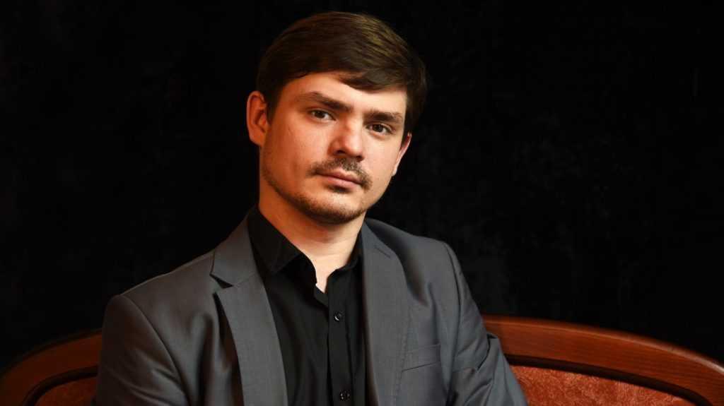 Артист Брянского драмтеатра сыграл на сцене МХАТ имени Горького