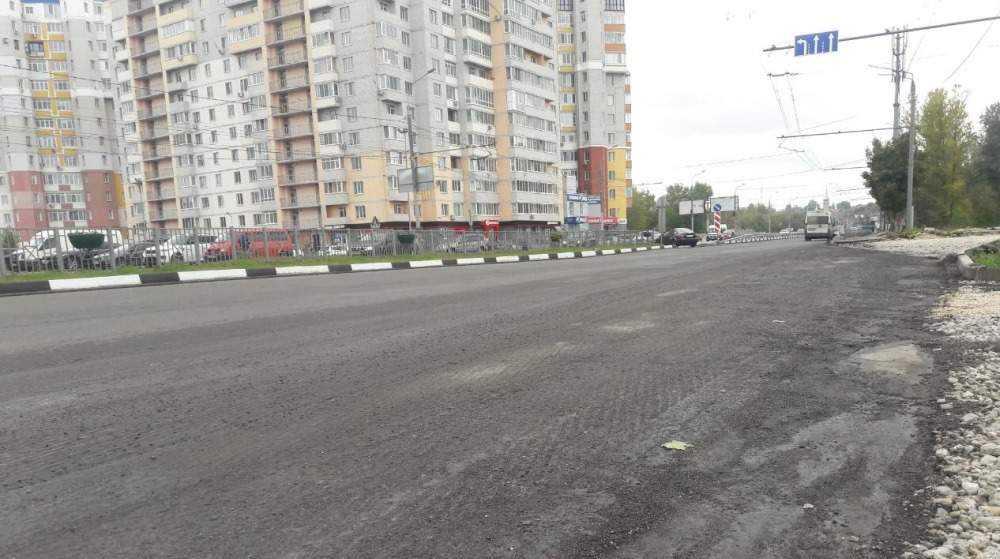 На Первомайском мосту Брянска срезали некачественный асфальт