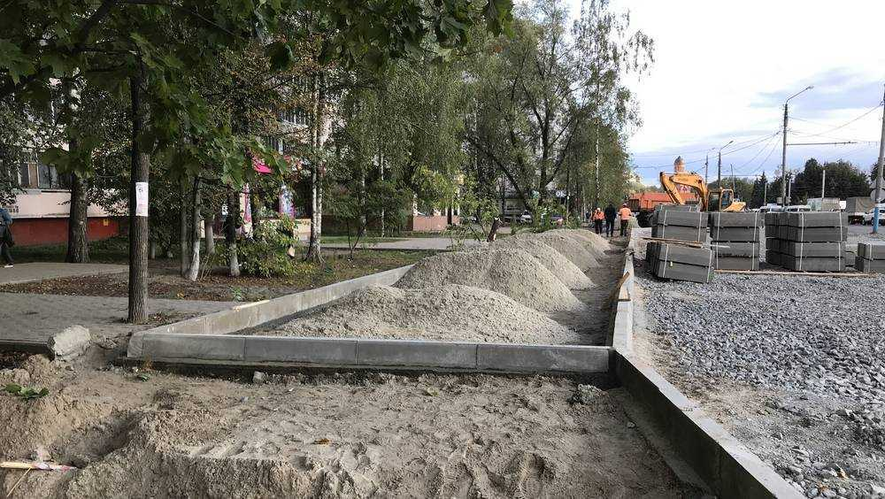 В Брянске на Авиационной улице начали строить новую остановку