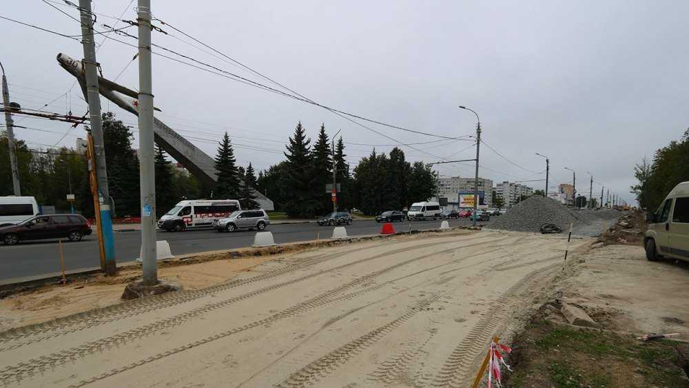 В Брянске на улице Авиационной две остановки перенесут к «Самолёту»