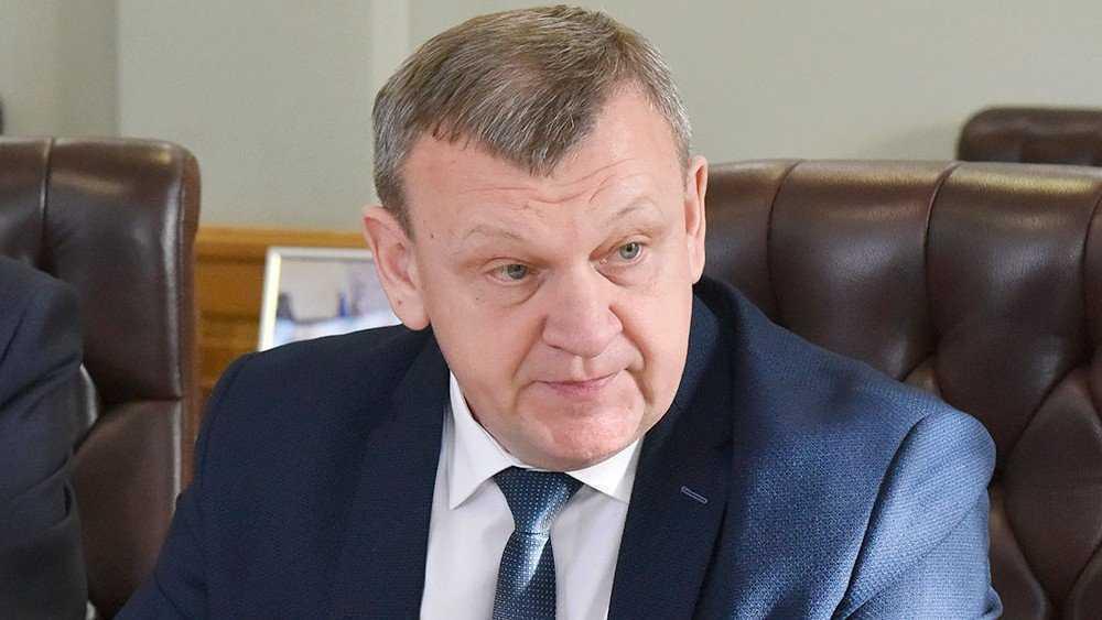 Уйдет в отставку глава администрации Новозыбкова Александр Чебыкин