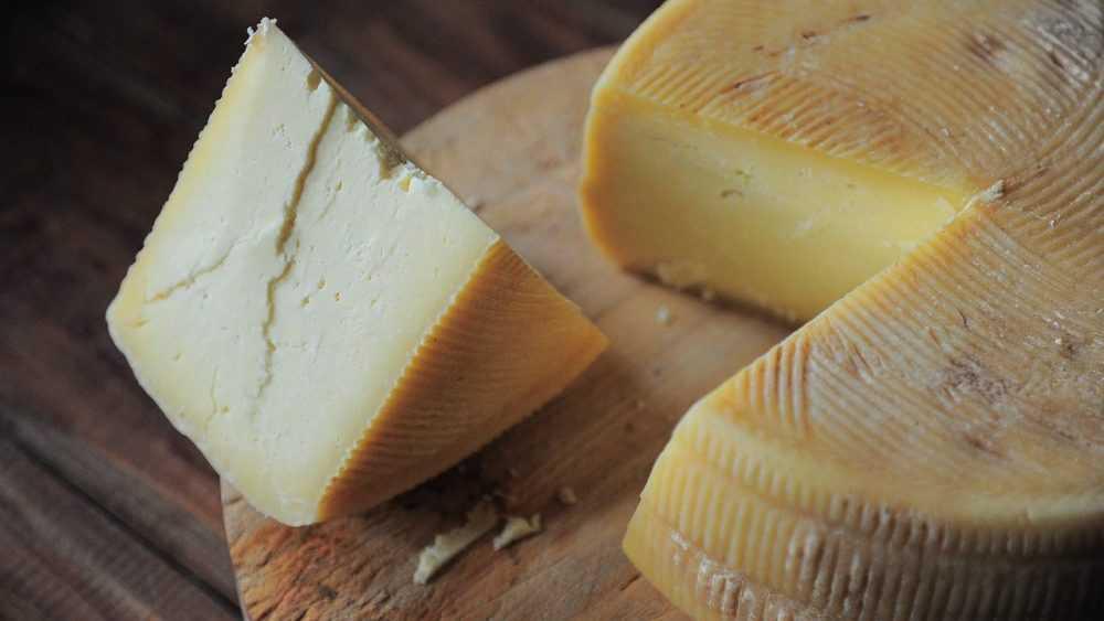 Брянское предприятие за поддельный сыр оштрафовали на 60000 рублей