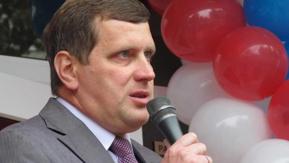 Подал в отставку глава администрации Жуковского района Давиденко