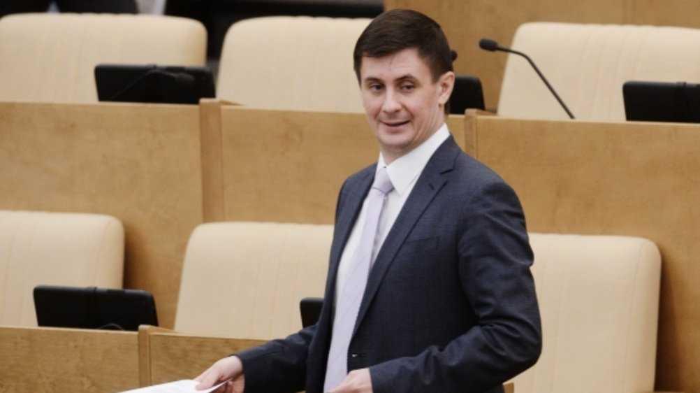 Брянского сенатора Деньгина оставили без депутатских полномочий