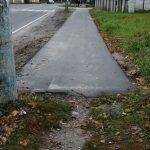 В Брянске на улице Ново–Советской тротуар закончился столбом