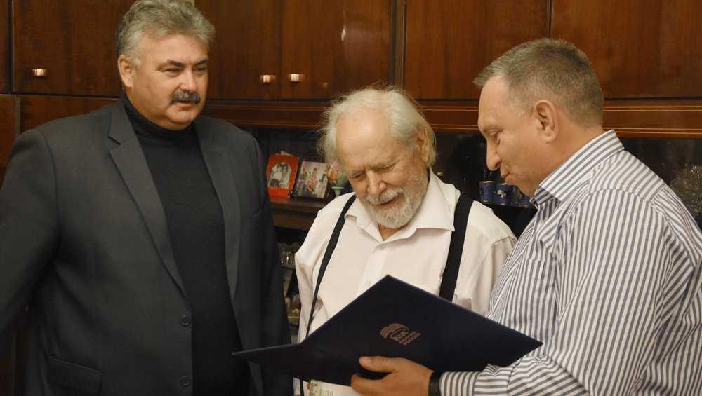 Старейшего единоросса Брянска Анатолия Джалого поздравили с 88-летием