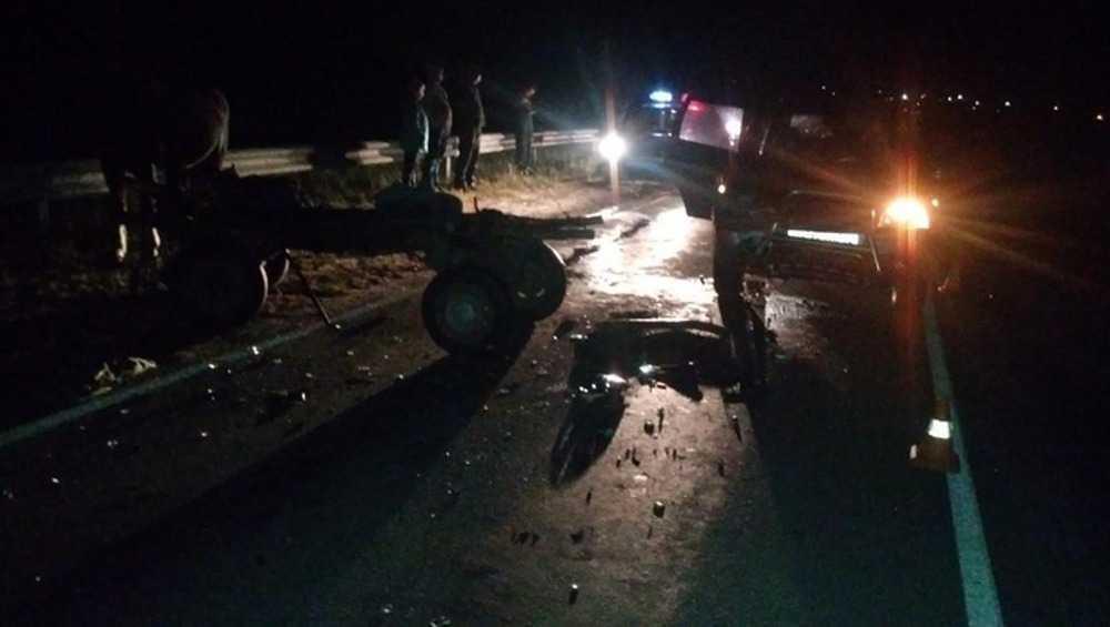 Под Брянском автомобиль Chevrolet Niva врезался в гужевую повозку