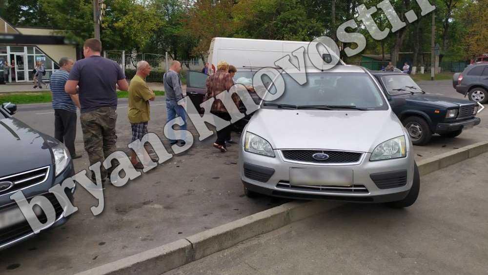 В Новозыбкове в ДТП с 4 автомобилями пострадал 24-летний водитель