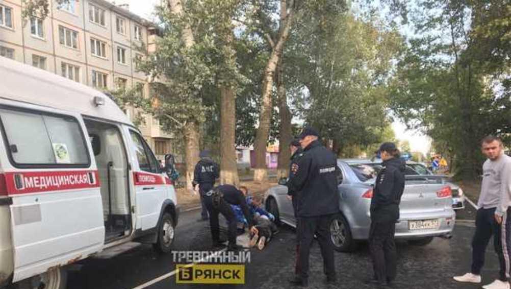 В Бежицком районе Брянска легковой автомобиль сбил женщину