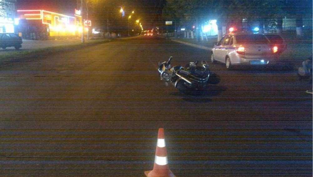 В Брянске мотоциклист разбился при попытке избежать ДТП