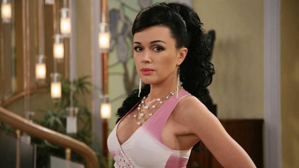 Брянская певица назвала причину болезни Анастасии Заворотнюк