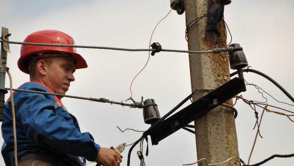 Ураганный ветер оставил без света три района Брянской области