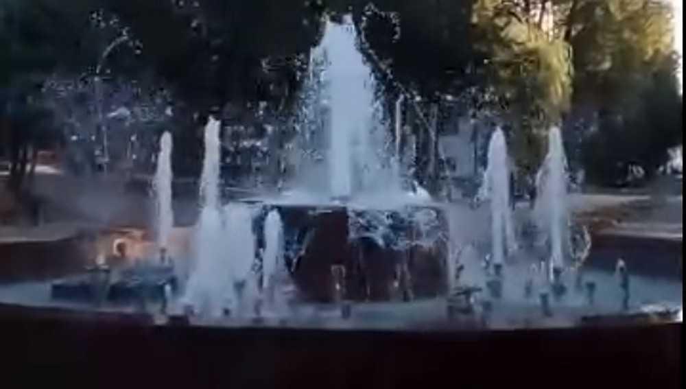 В Брянске заработал новый фонтан в Круглом сквере