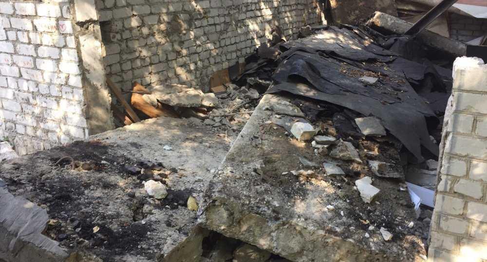 В Брянске под рухнувшими плитами гаража погибли два человека