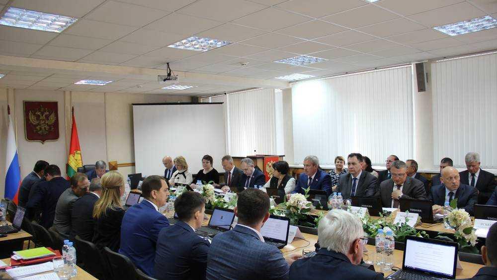 Брянский губернатор призвал депутатов горсовета работать честно