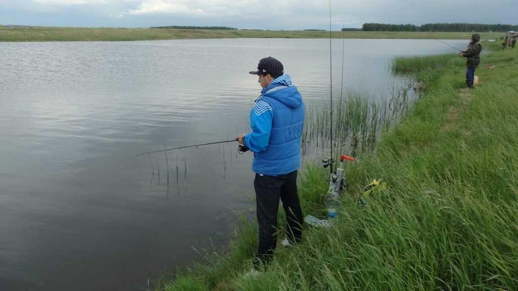 Брянцев со спиннингами пригласили на рыбалку