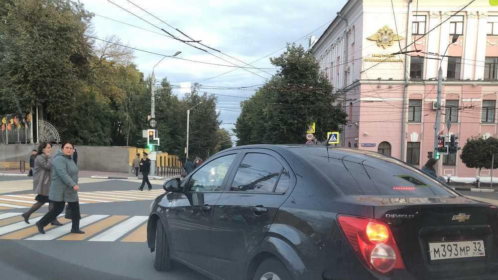 Брянца возмутила выходка автомобилиста возле УМВД