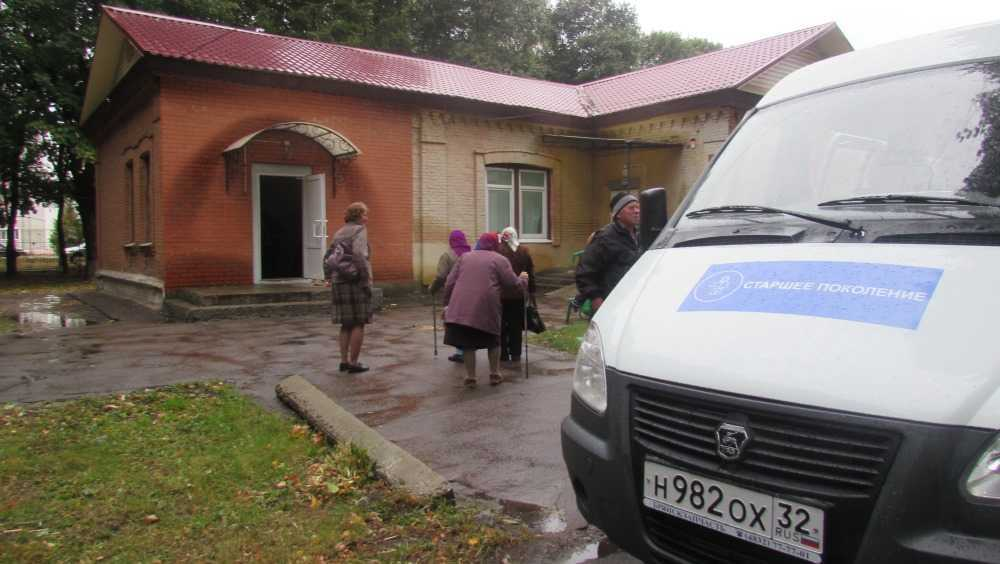 В Стародубском районе пожилых селян к врачам доставят на «Газели»