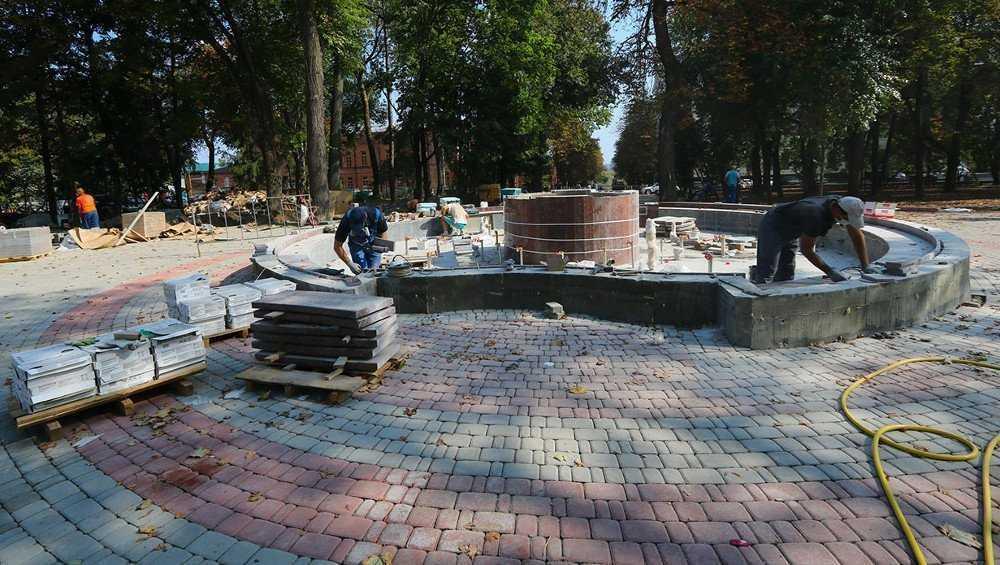 В Брянске обновлённый Круглый сквер откроют к 17 сентября