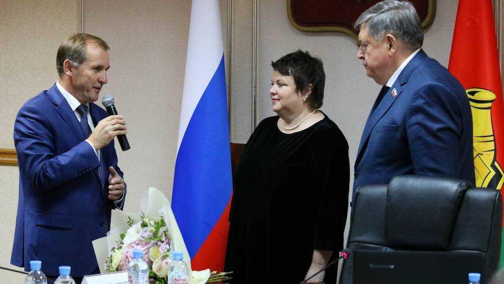 Новому главе Брянска Марине Дбар бывший мэр дал главное напутствие
