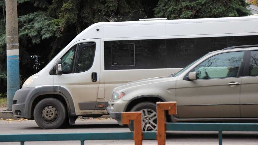 В Брянске в ДТП с маршруткой и «Тойотой» ранены 2 человека