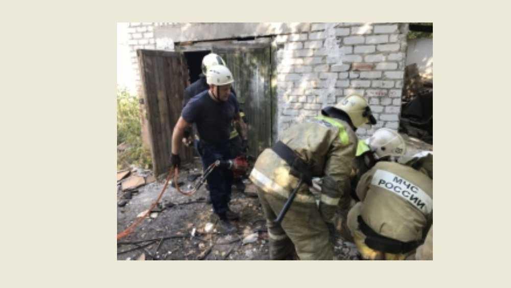 В Брянске из-за обрушения крыши гаража погибли два человека