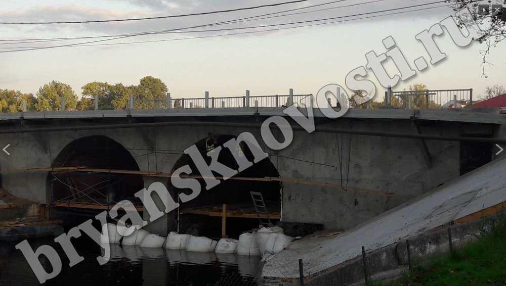 В Новозыбкове ускорили ремонт старинного моста