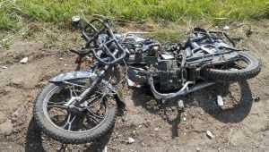 В Почепском районе 15-летний подросток на мопеде «атаковал» УАЗ