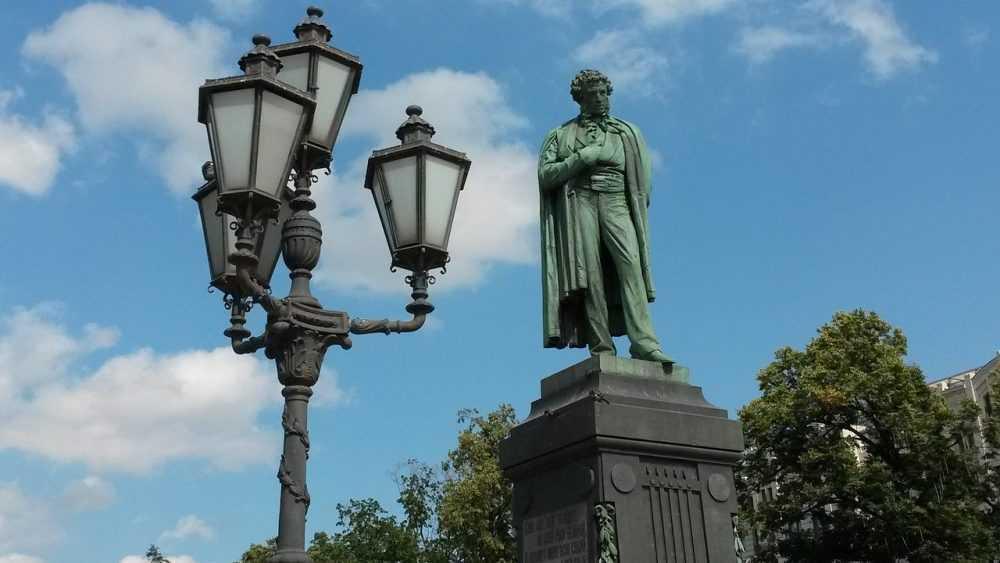 Швейцарский историк дал совет, как понять Россию
