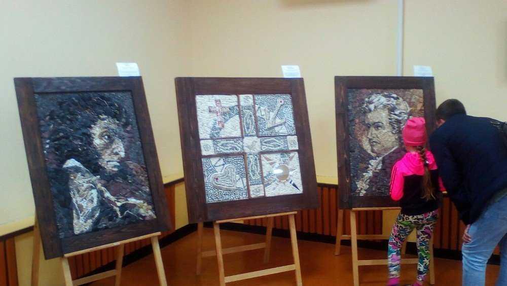 В поселке Локоть брянцы смогут познакомиться с миром мозаики