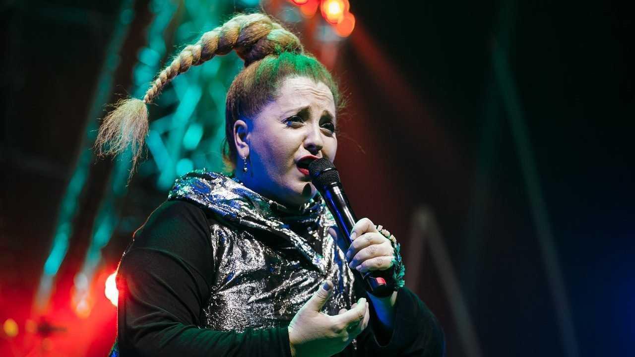 «Соскучилась по деньгам»: обещавшая не петь в России грузинка Катамадзе призналась в любви к россиянам