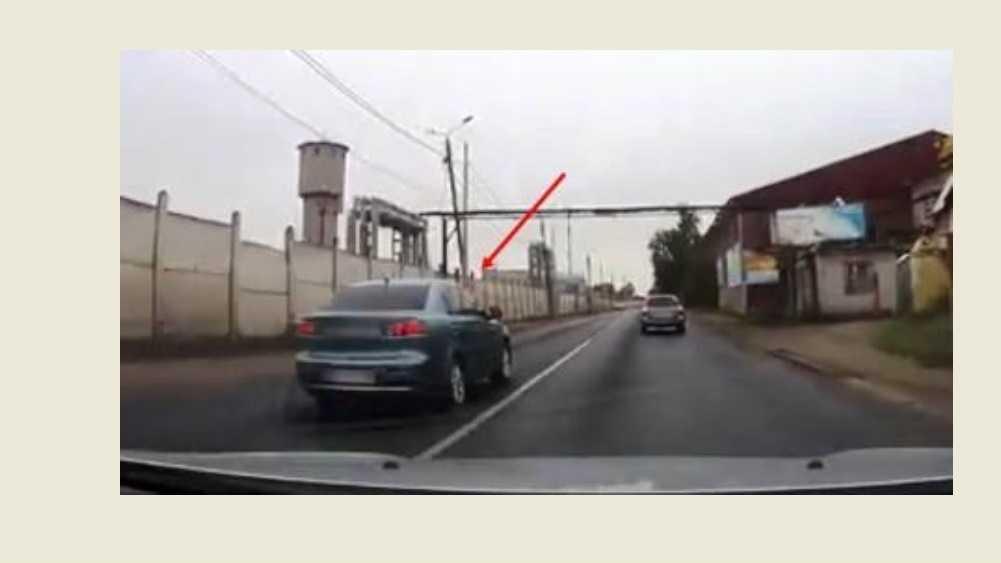 В Брянске водителя Mitsubishi наказали за опасный обгон