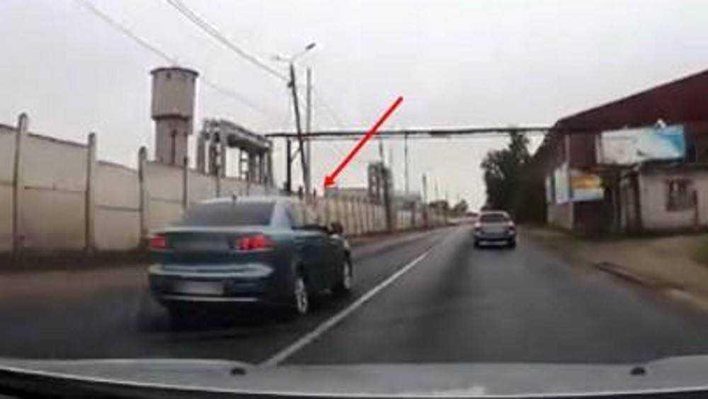 За дерзкий обгон по видео наказали брянского водителя Mitsubishi
