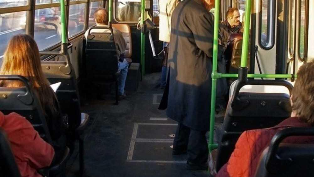 За один день трое жительниц Брянска получили ушибы в автобусах