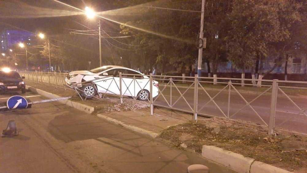 В Брянске в ДТП на Московском проспекте женщина разбила голову