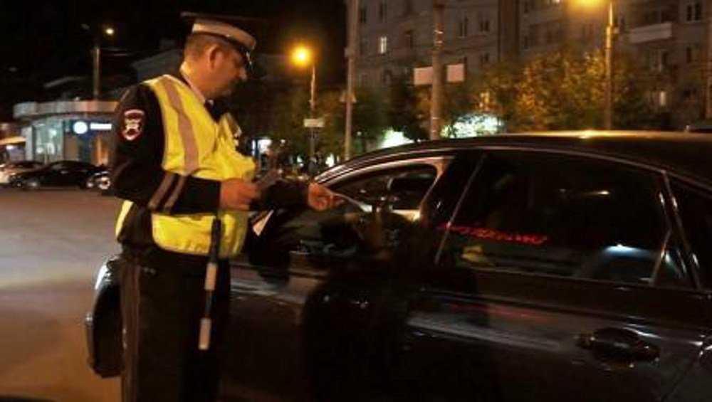 В Брянске возле БУМа за тонировку оштрафовали 18 водителей