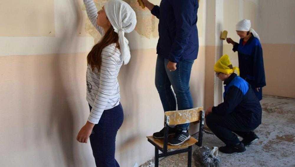 В двух школах Брянской области нарушили права работавших учеников