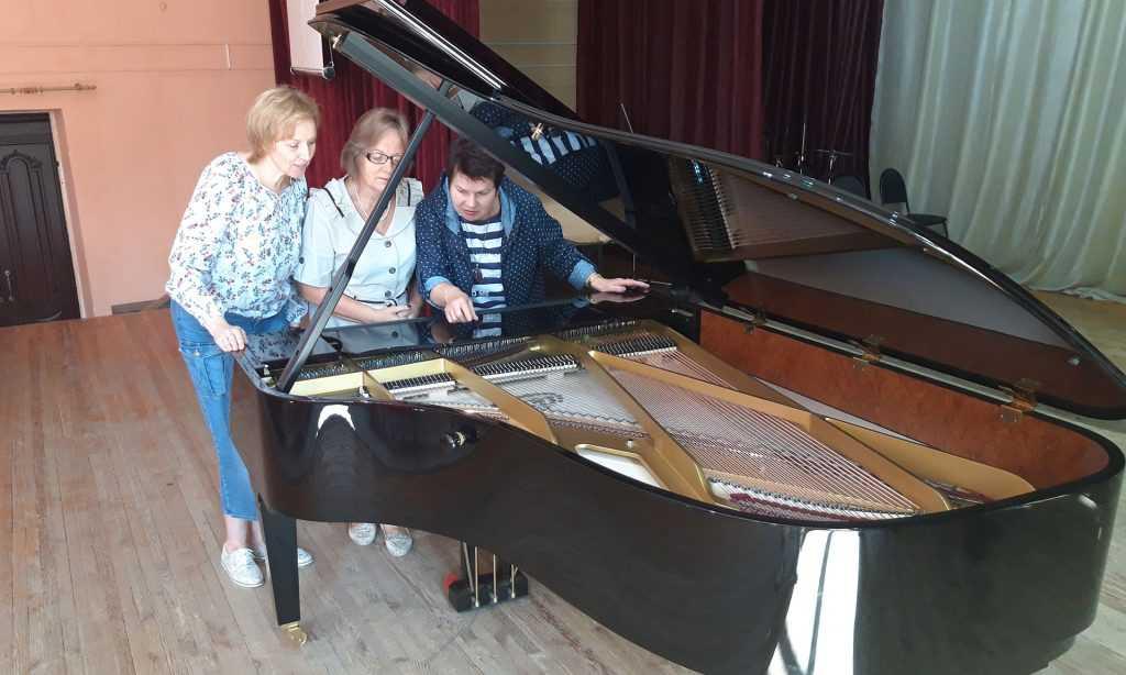 Брянский колледж искусств получил от президента Путина престижный рояль
