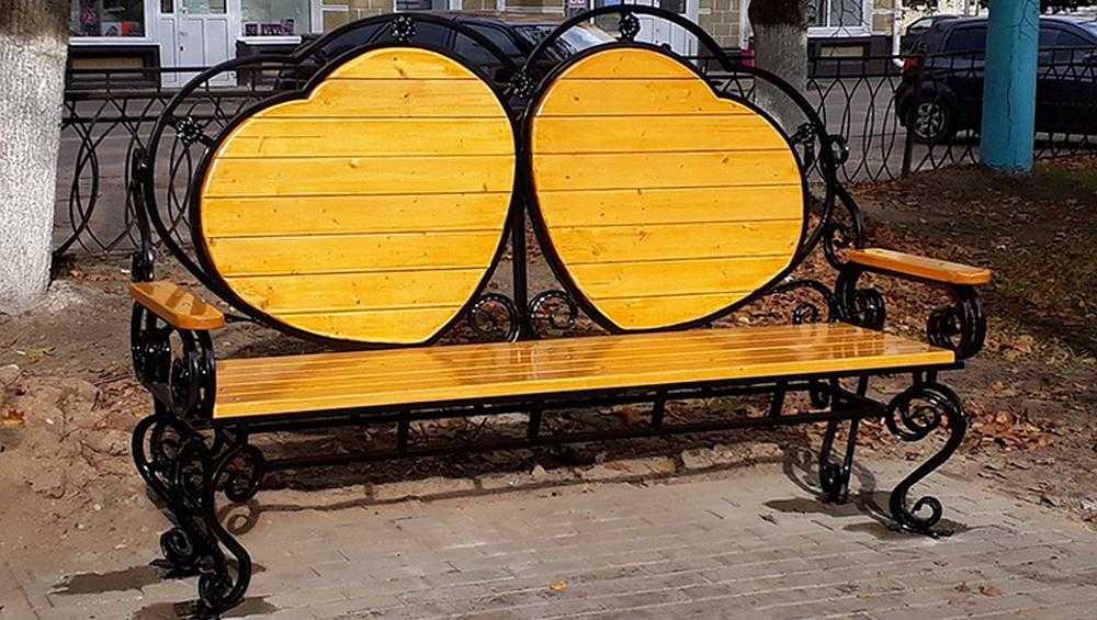 В Сельцо появились удивительные скамейки