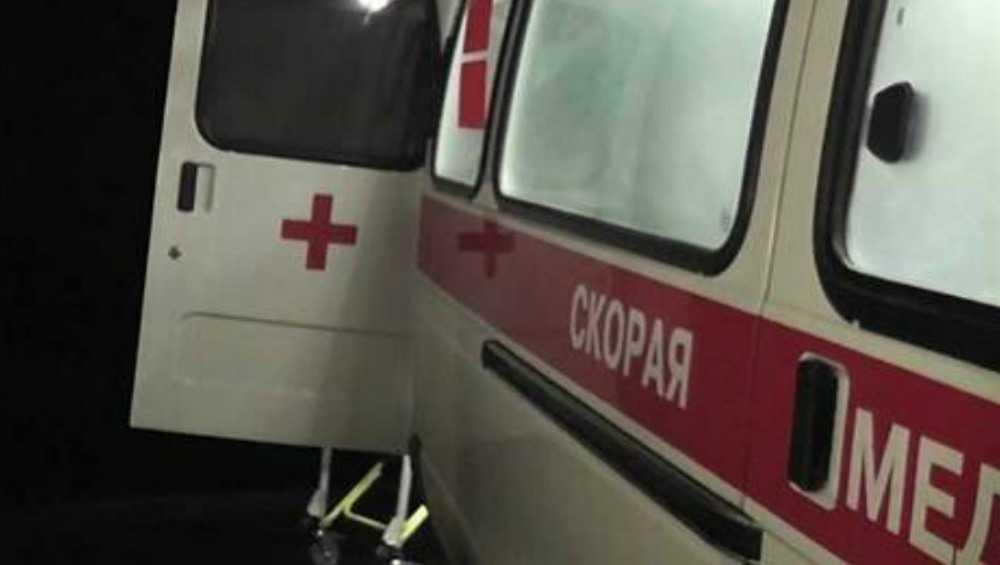 В Брянске пьяный водитель Chevrolet врезался в столб и ранил девушку