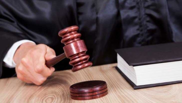 В Погаре алиментщика осудили условно за угрозу убийством матери