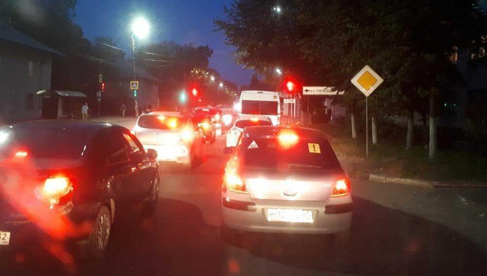 Капризных жителей Брянска возмутило множество светофоров в Бежице