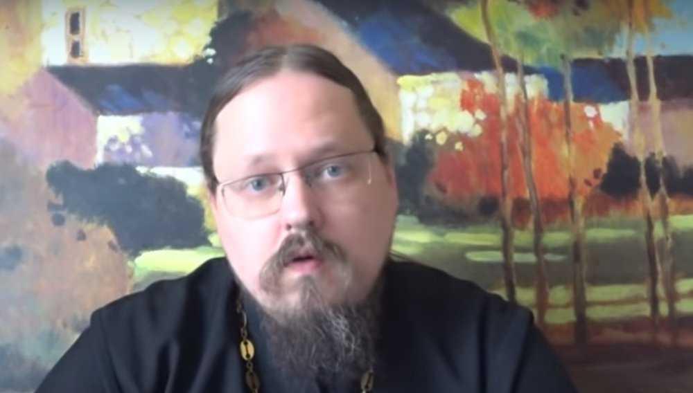 Украинская секта начала травлю брянского общественника и священника