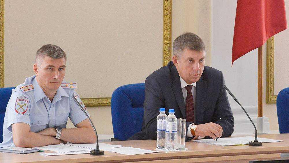 Брянское правительство пригласило на работу честного чиновника